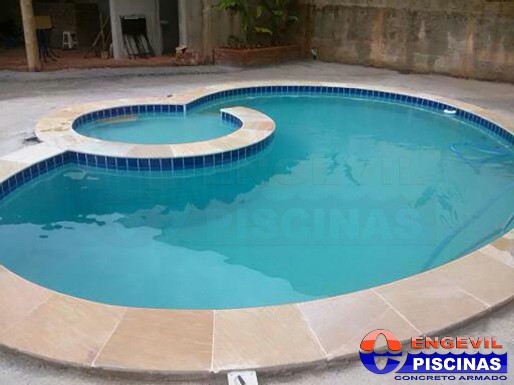 Manuten o de piscinas engevil piscinas for Piscina u central
