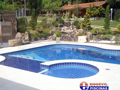 Venda de piscina transbordante engevil piscinas for Empresas de piscinas