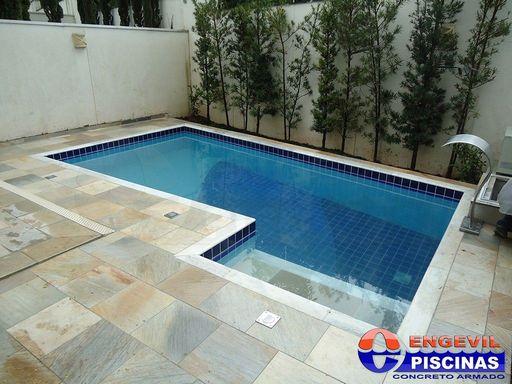 Piscina de azulejo engevil piscinas for Piscina de fibra elevada