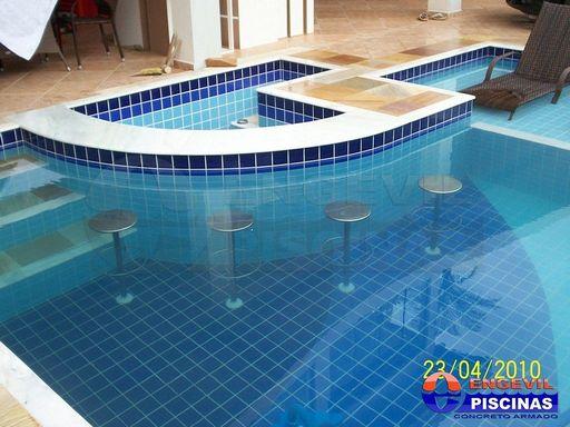 Pin piscinas de alvenaria on pinterest for Piscina 7 de agosto