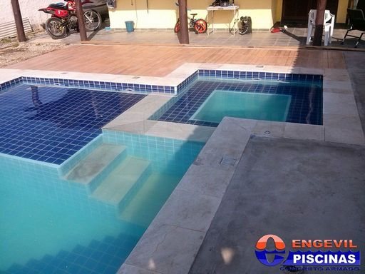Empresa de piscina de concreto engevil piscinas for Concreto piscina