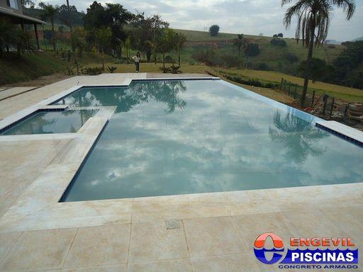 Piscina de fibra com deck alto santa paula piscina com hidro engevil piscinas - Piscinas en alto ...