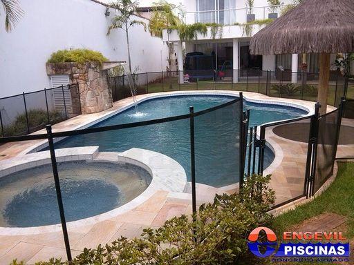 Piscina de fibra deck madeira na salto piscina elevada for Piscina de fibra elevada