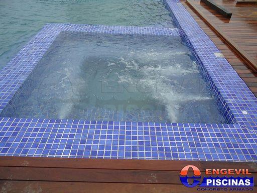 Constru o de piscina de alvenaria engevil piscinas - Piscina elevada ...