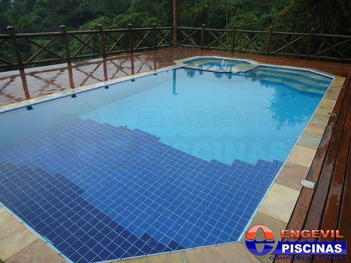 Comprar piscina residencial engevil piscinas for Piscina residencial