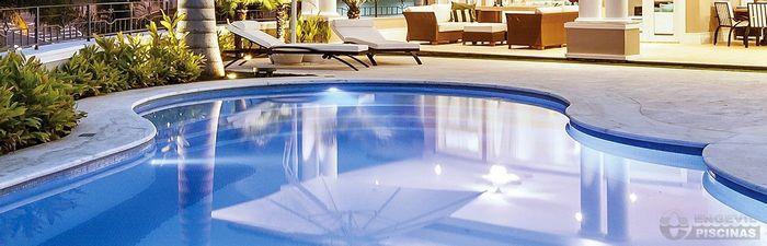 piscinasengevil-piscina-de-azulejos