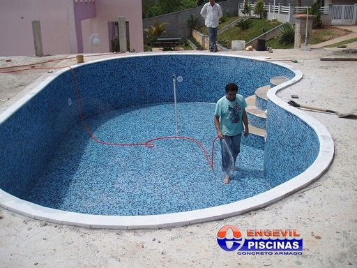 Empresas de manuten o de piscina engevil piscinas for Piscina u central