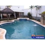 piscina com hidro pequena em Juquitiba