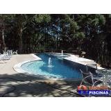 piscina de alvenaria com azulejo Bangú