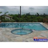 piscina de azulejo com deck sob medida Vila Cristina