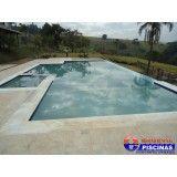 piscina de fibra com deck alto Bosque Maia