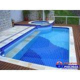 quantos litros tem uma piscina de academia Macedo