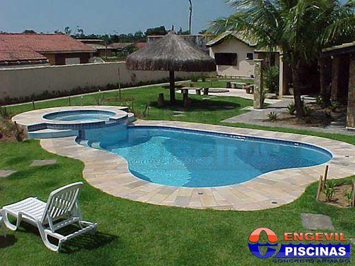 Modelos de jardim com piscinas fotos de paisagismo para for Modelos de piscinas fotos